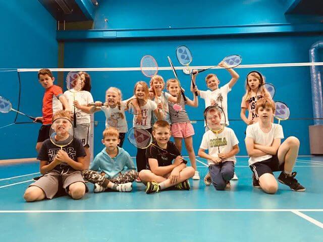 szkolka-dla-dzieci-badminton